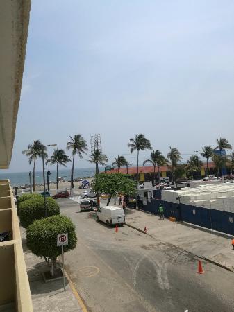 Comfort Inn Veracruz: TA_IMG_20160330_115749_large.jpg