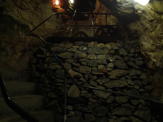 Oughterard, Irland: In der Höhle