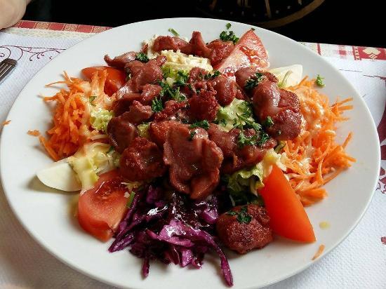 L'Hotellerie, France : Salade de gésiers