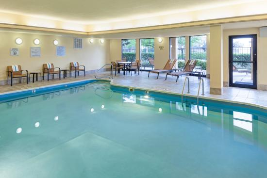 Courtyard Austin South: Indoor Pool
