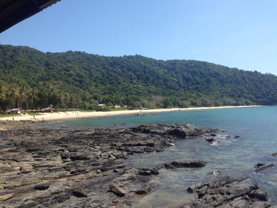 Bamboo Bay Resort: beach