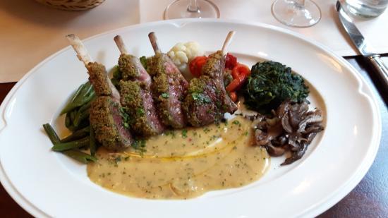 Restaurant M23