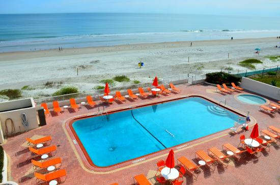 Best Western Daytona Inn Seabreeze: Oceanfront pool deck