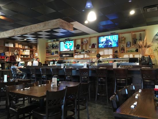 Eatonton, جورجيا: Table seating or sushi bar!