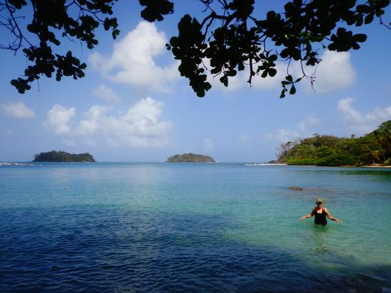 Portobelo, Panama : Snorkeling in the cove on Playa Blanca