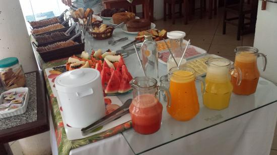 Pousada A Casa do Torrely : Café da manhã da Pousada