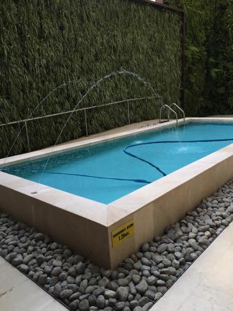 tiny swimming pool picture of cali marriott hotel cali tripadvisor rh tripadvisor co uk
