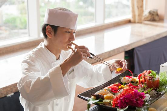 Japanese chef de cuisine masafumi senga picture of niji tumon tripadvisor for Photo de cuisine