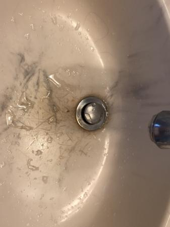 Sebastopol Inn: This is our sink - it could be cleaned with some elbow grease and Barkeepers Friend....