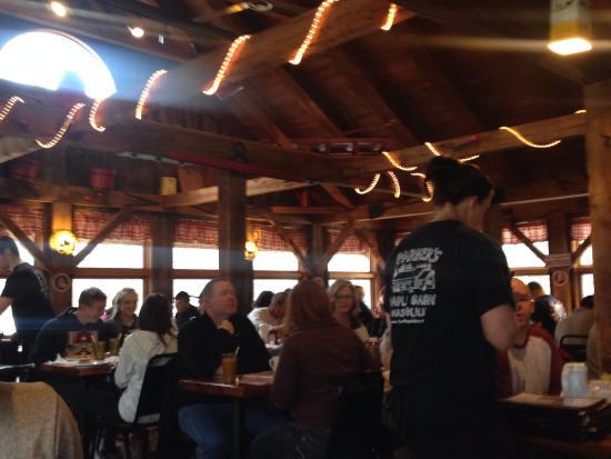 Mason, NH: Inside dining