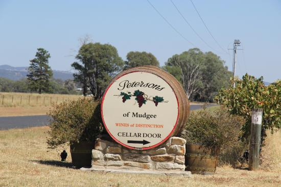 Petersons of Mudgee: Sign
