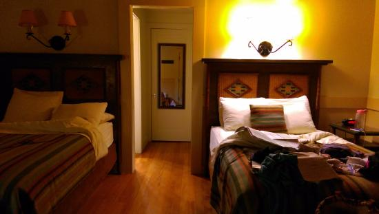 Zion Lodge: Cozy room