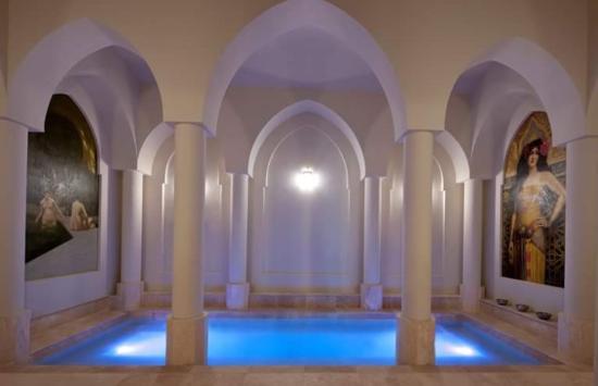 Montrose, Australia: The roman baths - private bathing