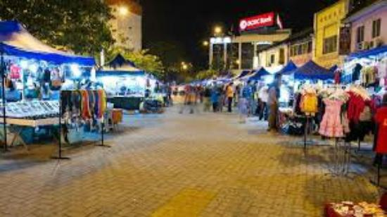 Bazar karat johor bahru 2018 all you need to know for Chinese furniture johor bahru