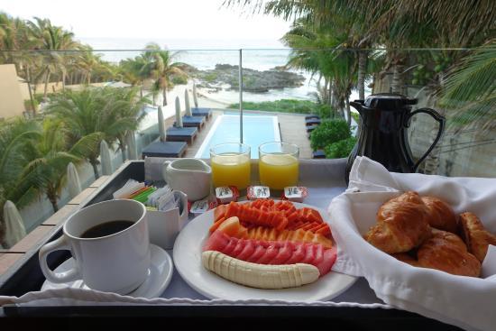 Hotel Secreto: Continental Breakfast