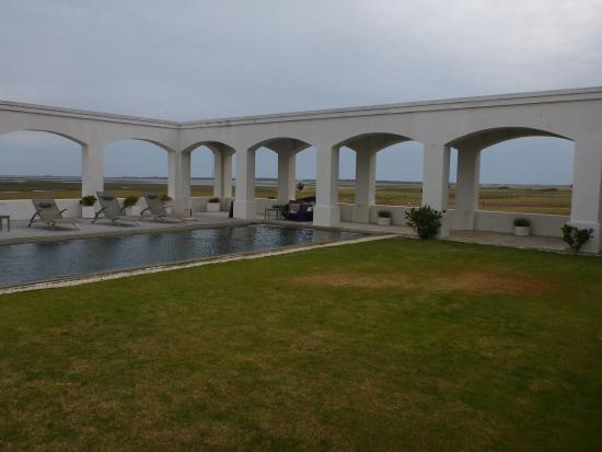 إستانسيا فيك خوسيه إجناسيو: hotel pool