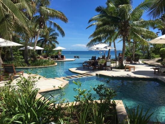 infinity pool overlooking ocean - photo #37