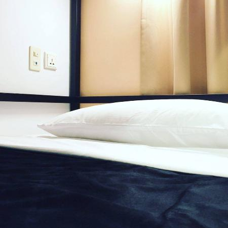 Life is like a BOX of Chocolates : 6-Bed Orange Dorm Room
