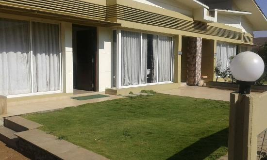 1 India Resorts