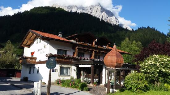 Berghaus Halali