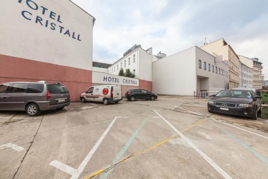 Parkplatz Picture Of Novum Hotel Cristall Wien Messe Vienna