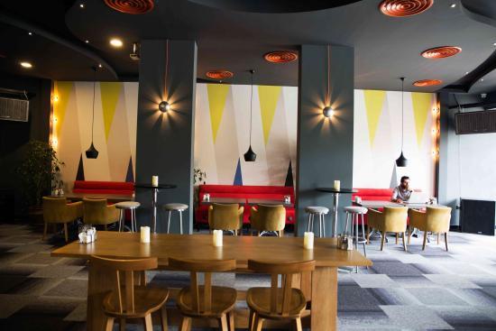 Leon Bistro & Bar