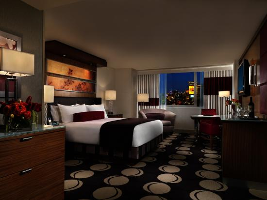 The Mirage Hotel & Casino: Resort King
