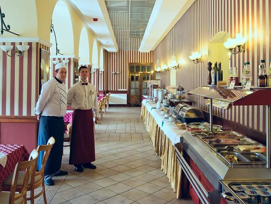 Paradfurdo, Hongaria: Erzsébet Restaurant