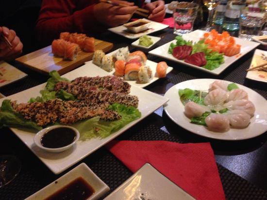 Joi: ravioli, sushi, sashimi, tonno scottato...