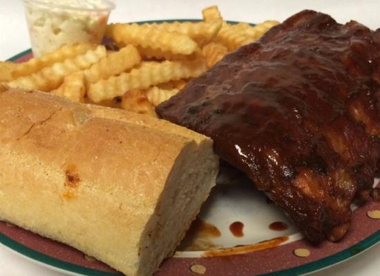 Shorewood, إلينوي: Half Slab Ribs Dinner