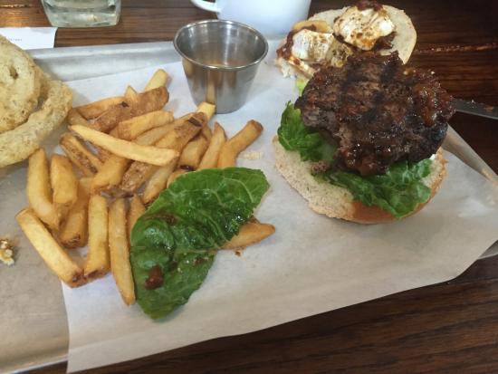 The Green Man Cider House & Kitchen: Slider-sized burger at the Green Man !