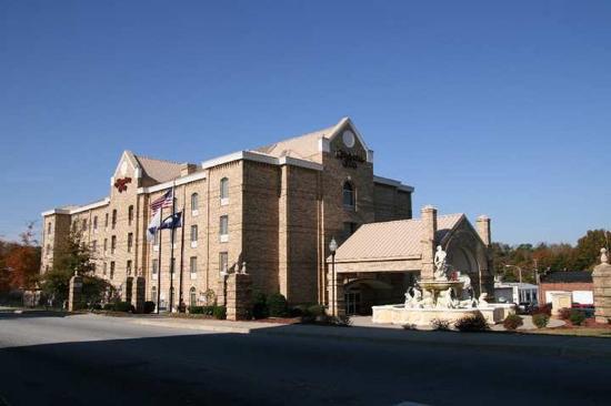 Newberry, SC: Exterior
