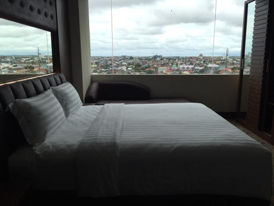 Demelia Hotel
