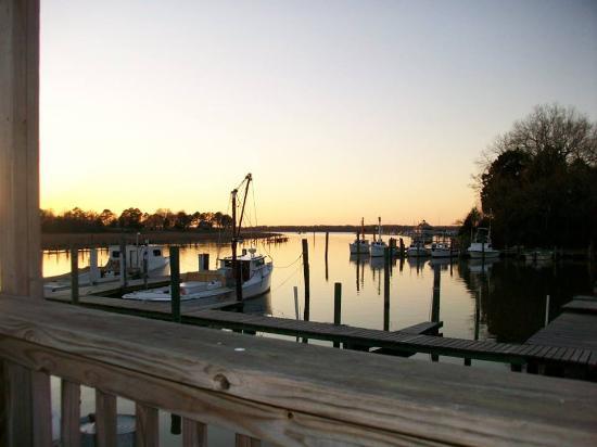 Carrollton, VA: Lovely views on the outdoor deck