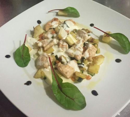 14 Gradi WineFood: bocconci di pollo,crema di formaggi,macedonia di verdure, salsa yogurt e mele...!!!
