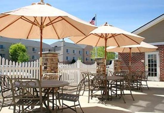 Residence Inn Frederick: Patio
