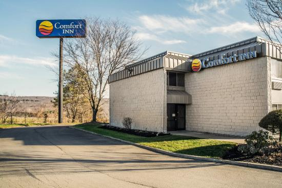 Comfort Inn Jamestown: Exterior