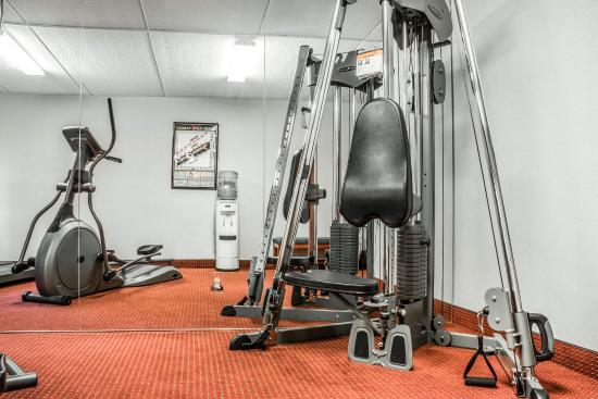 Comfort Inn Jamestown: Fitness Center