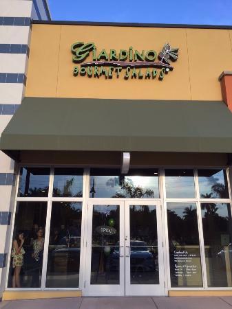 Giardino Gourmet Salad Downtown Doral