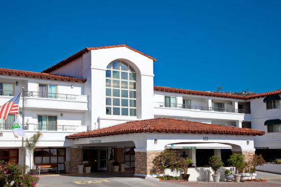 Holiday Inn San Clemente: San Clemente Hotel Exterior.