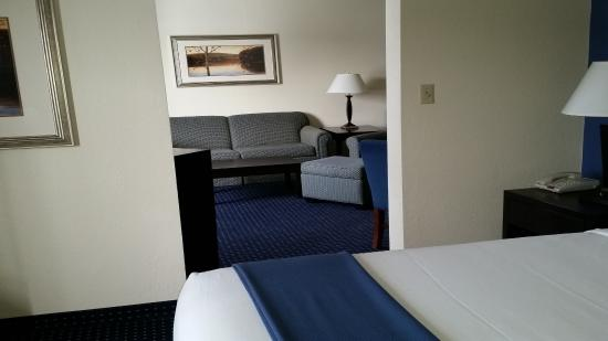 New Buffalo, MI: Suite room with a King bed