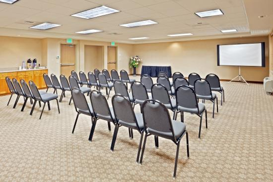 Holiday Inn Express Hotel & Suites Lacey: Our meeting room can accommodate up to 50 attendees comfortably
