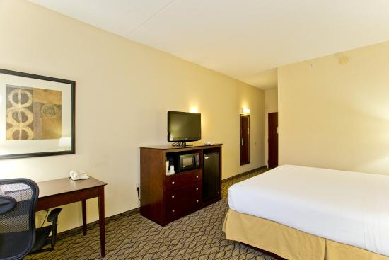 Stephens City, VA: King Bed Guest Room