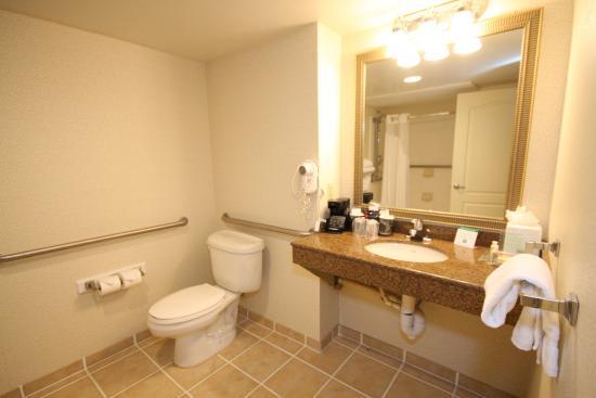 Hazlet, NJ: Lowered sinks to accommodate you
