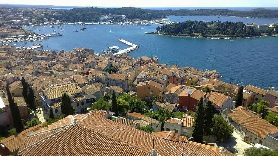 Vodnjan, Kroatien: Панорама города Ровинь