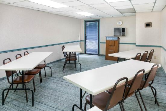 Chapmanville, WV: Meeting Room