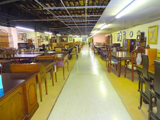 Review Of Dutch Valley Antique Mall Knoxville Tn
