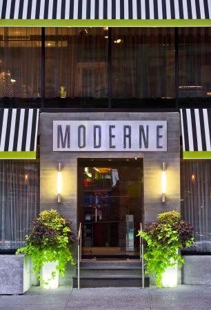 Moderne Hotel: Front Entrance