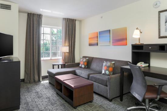 Staybridge Suites Philadelphia - Mt Laurel: Sleeper Sofa