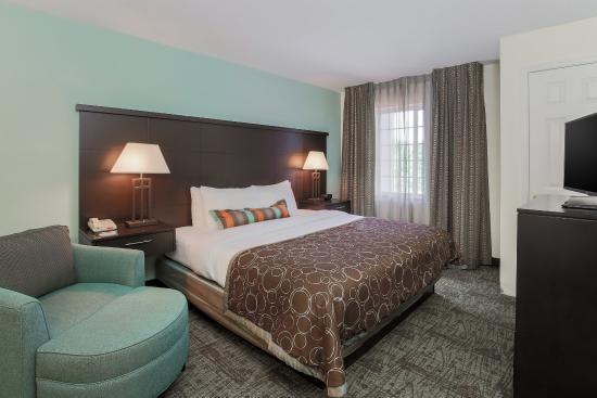 Staybridge Suites Philadelphia - Mt Laurel: One Bedroom King Suite Bedroom